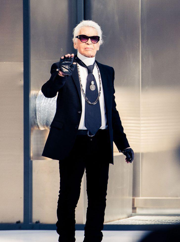 Inside Chanel's Spring 2017 Paris Fashion Week Show: Karl Lagerfeld | coveteur.com