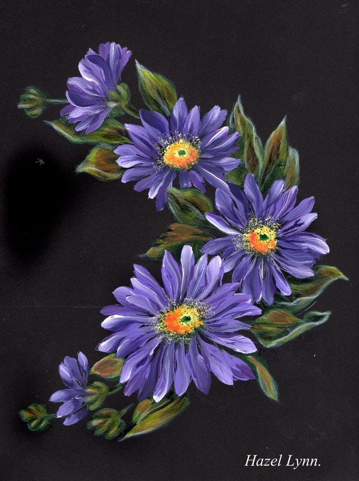 Mauve Daisy. Painted by Hazel Lynn.