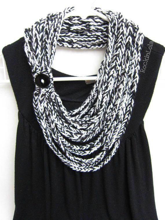 crochet bufanda cadena - la bufanda del collar - infinity bufanda - scarflette - blanco y negro - hecho a mano por RockinLola