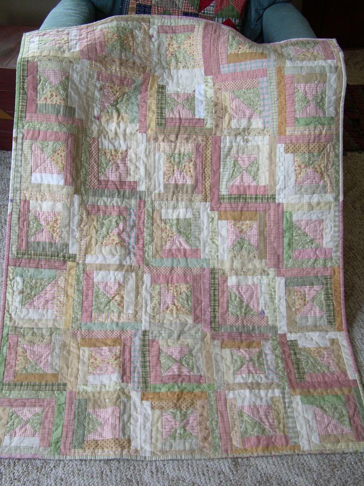 33 best images about Miniature quilts for dolls & small throw quilts on Pinterest Four corners ...