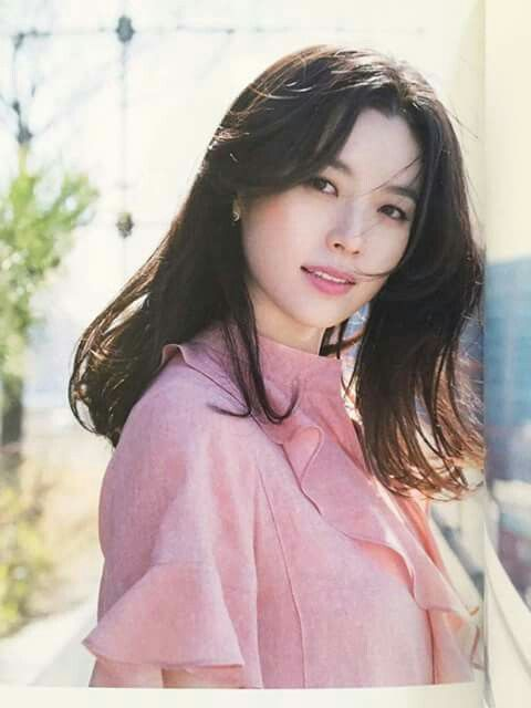 Han Hyo Joo Pretty girl with a beautiful smile