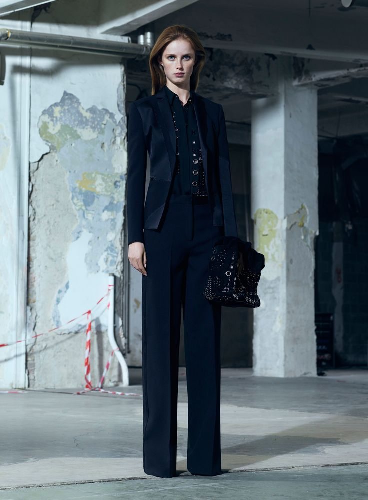 Versace [by Donatella Versace]   Pre-Fall 2016, New York