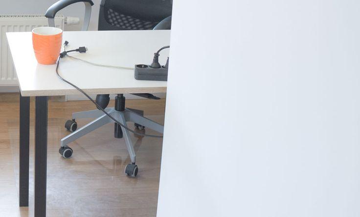 Gabinet, biurko ze sklejki