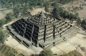 http://oasisofindonesian.blogspot.com/2015/01/borobudur-largest-buddhist-temple-in.html