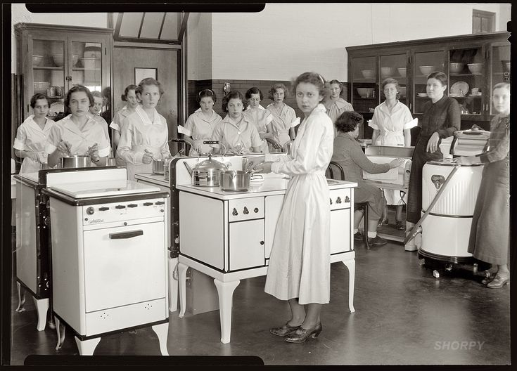 """Bethesda, Maryland. """"Cooking class, Chevy Chase High School, 1935."""" 5x7 safety negative, National Photo Company Collection."""