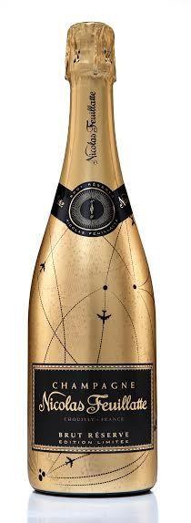 Nicolas Feuillatte a eu l'ingénieuse idée de relooker son Brut Réserve. Toute d'or et de noir vêtue, cette bouteille aux lignes élégantes et cosmopolites se pare d'avions stylisés pour faire voyager les mamans. Car, quoi de mieux que l'effervescence du champagne pour partir à la découverte des saveurs du monde entier ?  Prix : 24,50 €