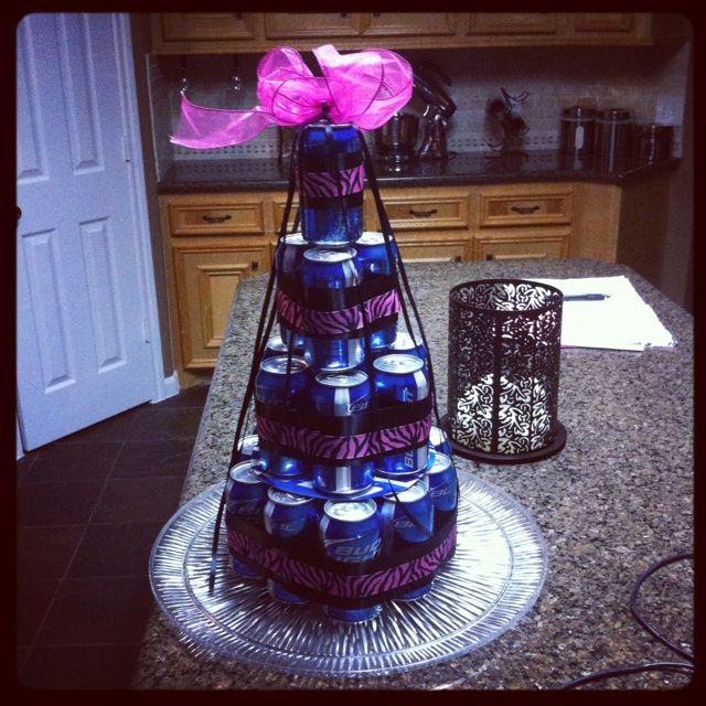 Who Says Beer Can Cakes Are For Guys Sisters 31st Bday Cake