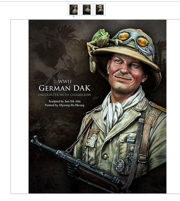 Soldat fra det tyske afrikakorps med kamæleon på hjelmen