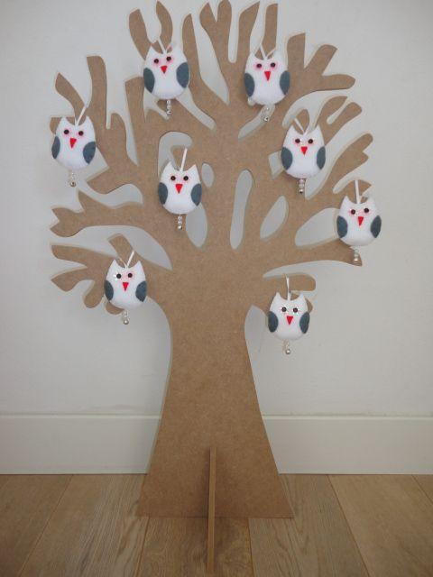Zo wordt de boom standaard geleverd; in mdf. Zelf te verven in welke kleur je maar wilt! http://www.mmkado.nl