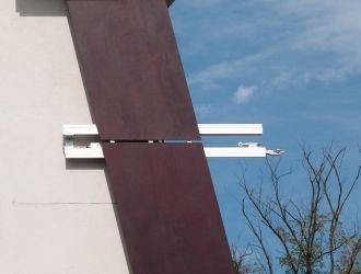 Irodaépület, Budaörs, #árnyékoló, #építészet, #tolható, #fa, #zsalu