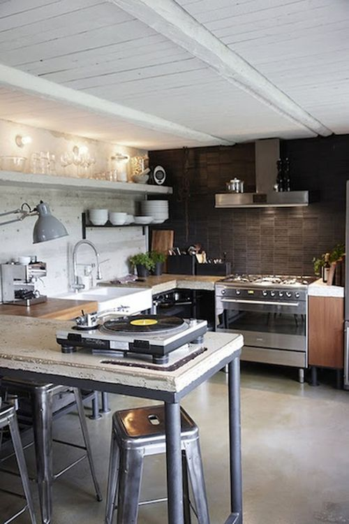 my husband would looove to have a kitchen like this.the turntable!