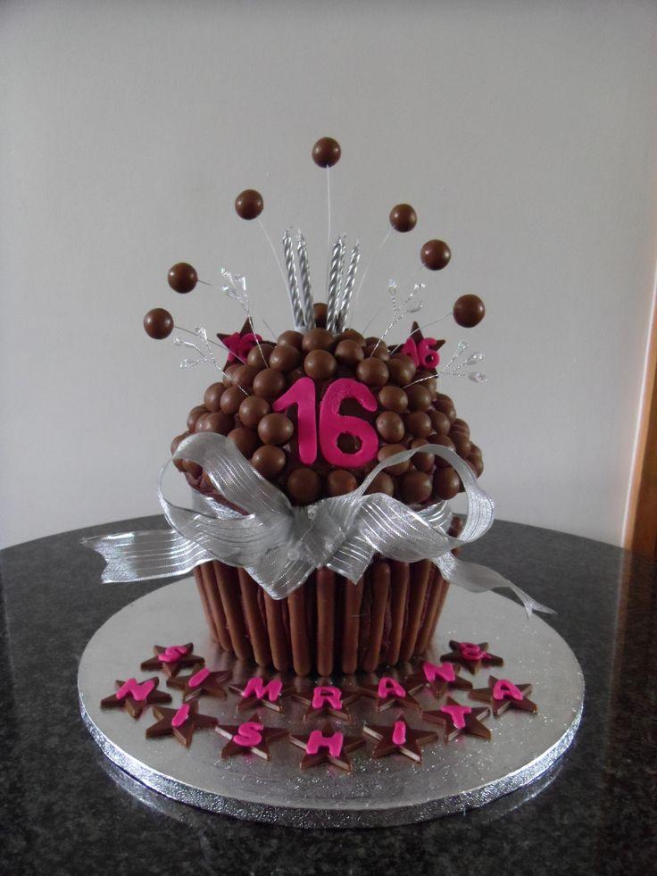 Giant Chocolate Cupcake 16