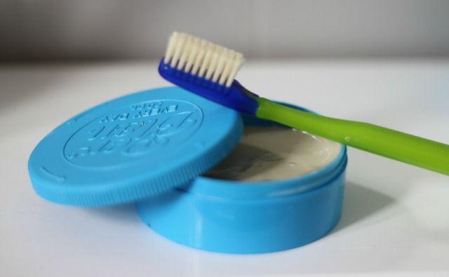Dentifrice maison : Deux recettes faciles et économiques !