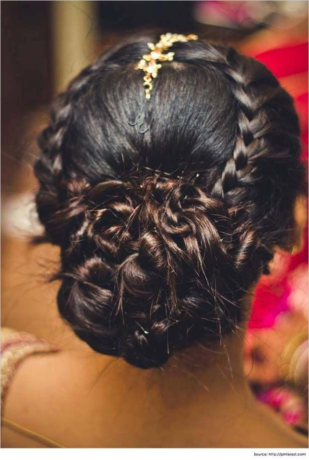 Top 10 Indian Wedding Hairstyles for Sarees