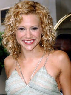 Brittany Murphy. Hair styles for naturally curly hair.Just add mouse while hair is damp and let air dry. Easy as pie. 5 minute hairstyle.