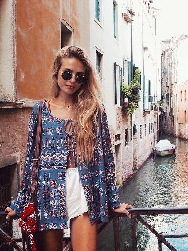 Boho fashion | A nice boho blouse paired with high waist shorts and sling bag