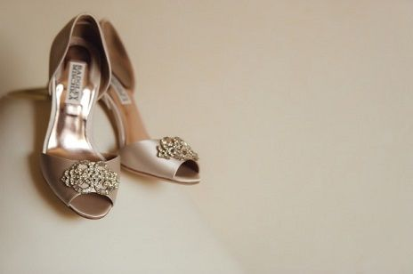 Badgley Mischka Bridal Shoes: Bravado Down the Wedding Aisle - As one of the most popular women's footwear brands on the market, Badgley Mischka wedding shoes are an all-time favorite of brides around the world. Let's take a look at why they're so popular and whether or not they are an ideal fit for you. https://www.loveandlavender.com/2018/01/badgley-mischka-bridal-shoes/