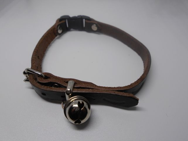 Brown Leather Cat Collar with Loud Bell £10.00