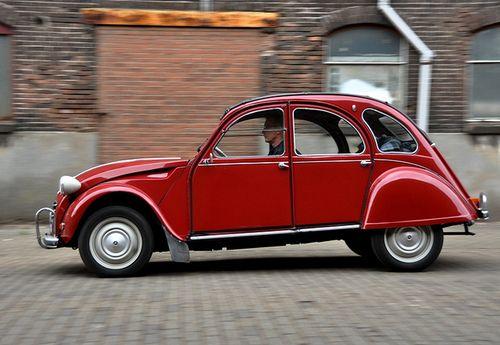 371 best 2 cv images on pinterest horse old school cars for Garage citroen carcassonne