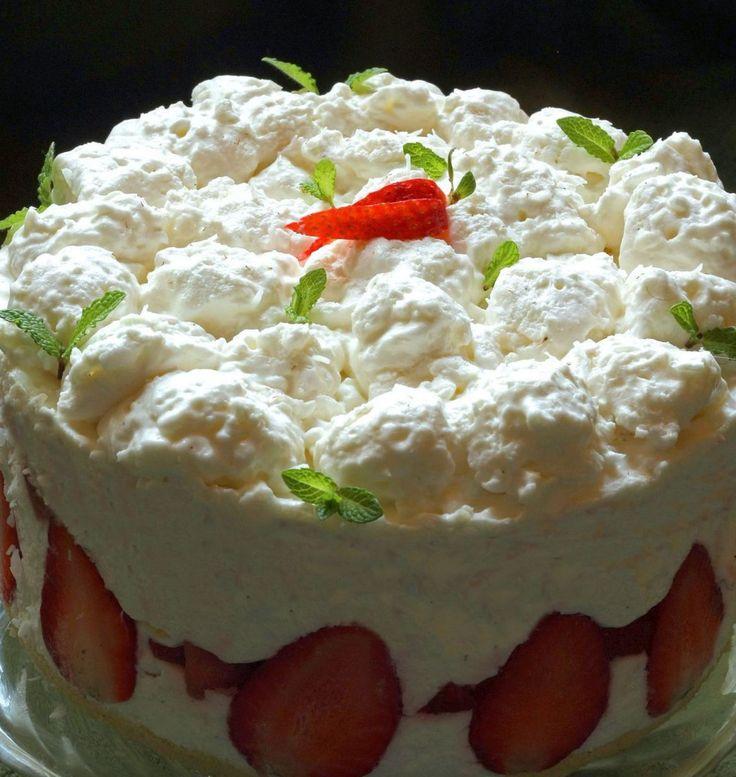 Epres kókuszhabos torta