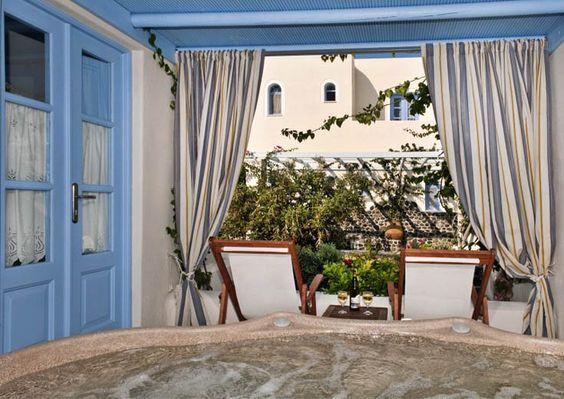Enjoy beautiful moments during your #summer #holidays ! Book your stay in #MarilliaVillage and live your myth in #Santorini! #travel #traveling #wanderlust #greek #tradiotion #greek #breakfast