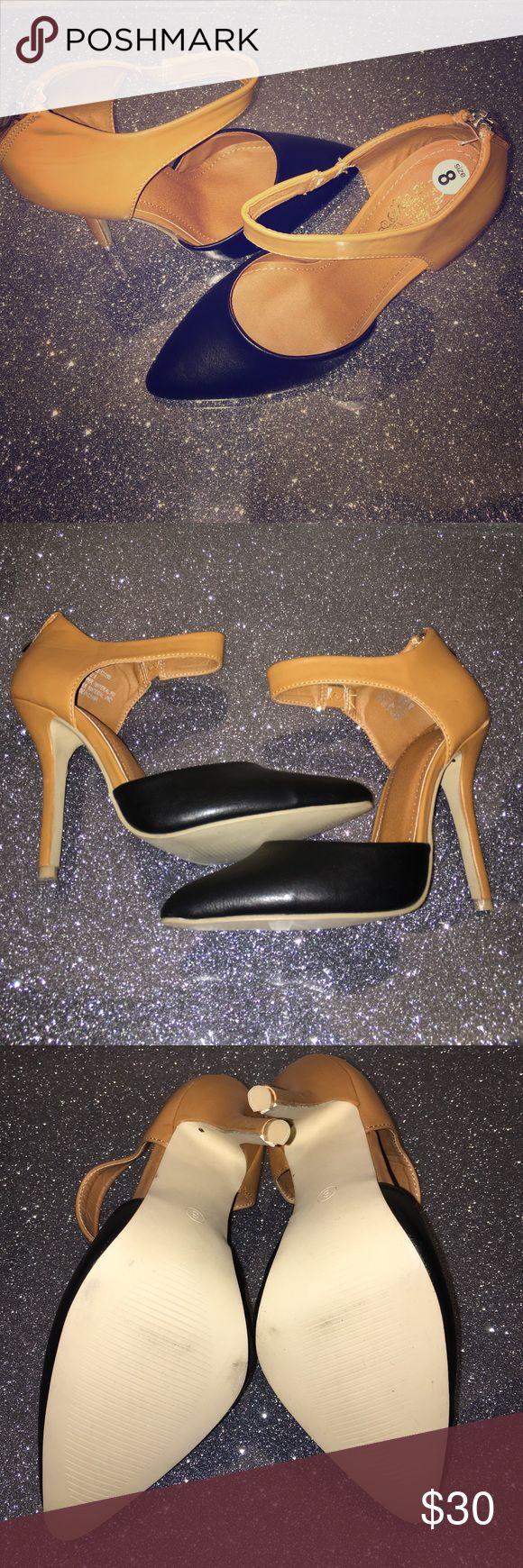 👠Beautiful two tone heel black/tan brown👠 Sleek and sophisticated! Zipper closure at heelPointed-toe silhouette. Heel Height: 3 in charles albert Shoes Heels