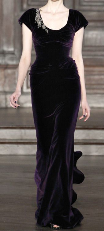 L'Wren Scott. Veeeeeelvet. So very Edwardian. I would like to have this, please.