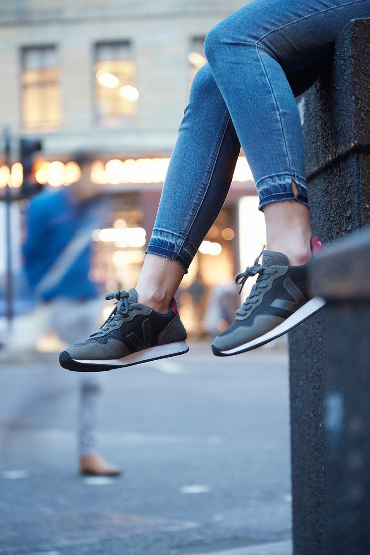 Leotie Lovely: ECO FASHION | VEJA'S BADASS VEGAN, ECO-FRIENDLY, ETHICALLY MADE SNEAKERS