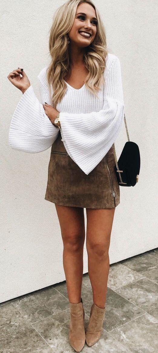 d80dbb098ca белый свитер oversize с замшевой юбкой