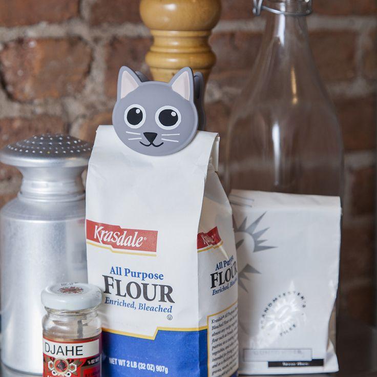 Tütenclip Talking Bag Clip Kätzchen von Kikkerland jetzt im design3000.de Shop kaufen! Heimlichtuerische Naschkatzen werden von jetzt an auf...