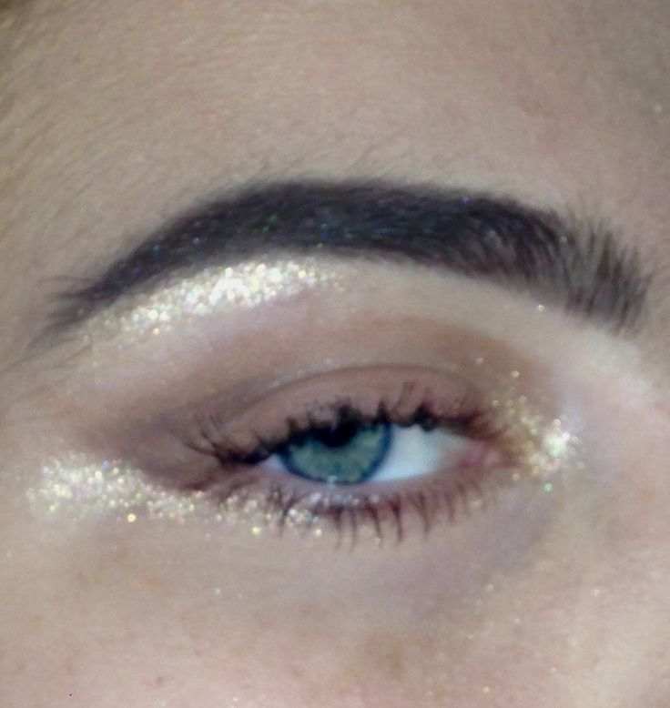 Eye makeup Chloë Georgia Taylor