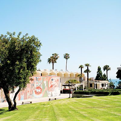 Santa Barbara weekend: Must-visit sights Instead of the mission on a weekend: It's worth its must-visit status, but the mission gets slammed on weekends.