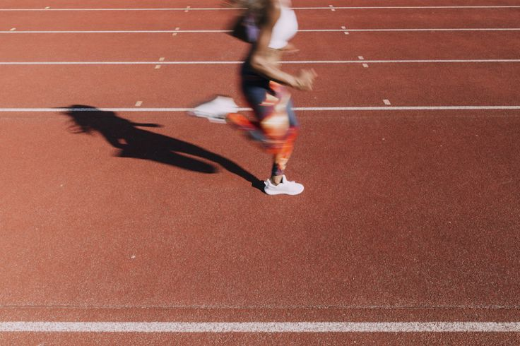 Viele Freizeitsportler sind permanent verunsichert. Es gibt so viele Weisheiten zu einer erfolgreichen sportlichen Lebensführung, wie es Wollmäusehinter meiner Wäschekommode gibt. Leider sind die …