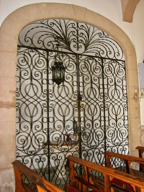 Jim & Carole's Mexico Adventure: NW Yucatan Part 7: Colonial churches, the restoration of Old Mérida, & Restaurant Chaya Maya