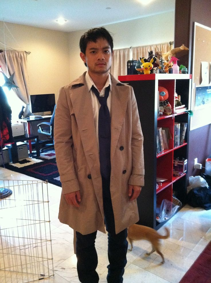Osric Chau as Castiel. LOVE IT! (But did anyone notice the tiny TARDIS on the shelf..?)