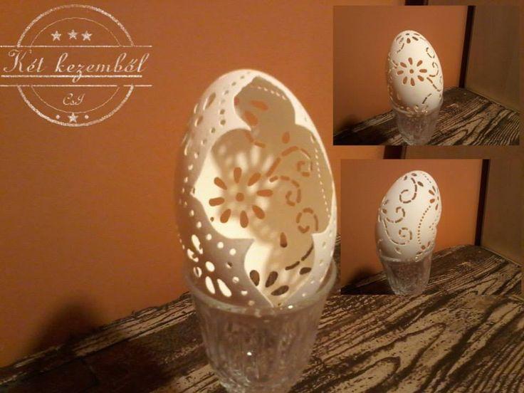 Metszett, csipkézett tojás