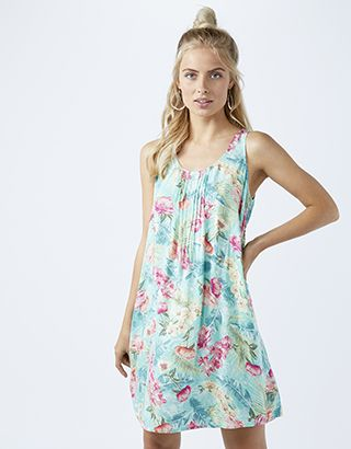 Our Desert Rose printed dress maxes out on tropical vibes. In a loose-fitting shape that's perfect for beach days and balmy nights, it features wide straps, ...