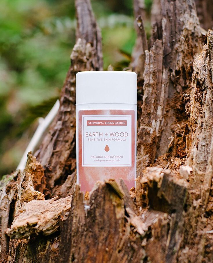 Earth + Wood Deodorant   Schmidt's Naturals™ Sexy notes of vetiver, earthy cedarwood, and spicy accents of damiana