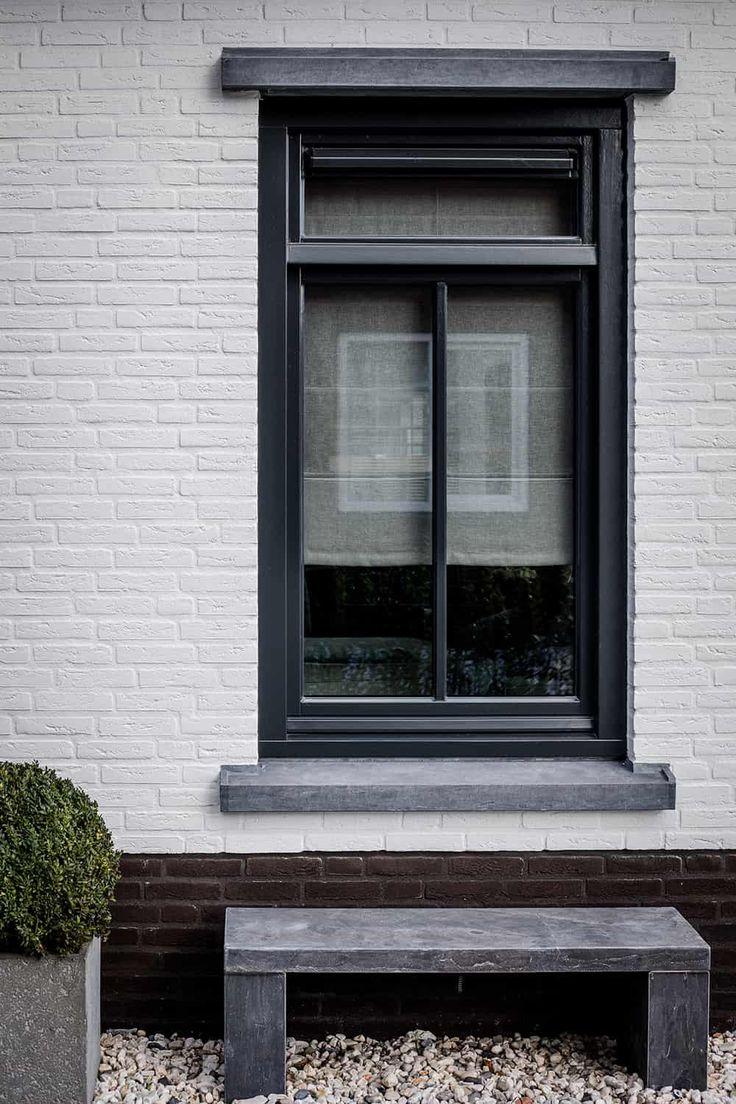 Perfect tot in ieder detail Een eigen huis laten bouwen is een prachtige uitdaging. Maar waar begin je? Voor Groothuisbouw ontwierpen wij een vijftal fraaie, vrijstaande woningen, variërend in bouwstijl en perfect tot in ieder detail. Zo kiest u een bepaalde stijl en vanuit daar kunt u alles...