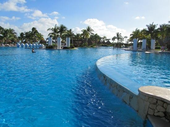 Mayan Palace Riviera Maya: The pool at The Mayan Palace, so far these have been my best vacations, at this very pool!