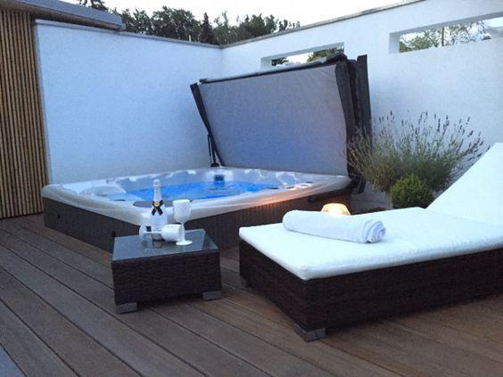 Outdoor-Whirlpool mit den gleichen Terrassenplatten verkleiden | hot ...
