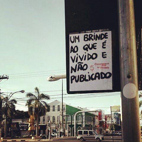 #Repost @faltarte ・・・ Feira de Santana, BA. #faltarte #oqueasruasfalam #lambelambe #olheosmuros #olheospostes #lambe #rua #vivamais #arteurbana #artederua #feiradesantana #bahia http://ift.tt/2n5r5kZ