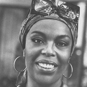 Roberta Flack, 1970s. Nice shades. http://photos.lucywho.com/roberta-flack-photo-gallery-c13342102.html