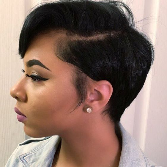 Side-Parted Pixie Bob For Black Women Eyebrow Makeup Tips