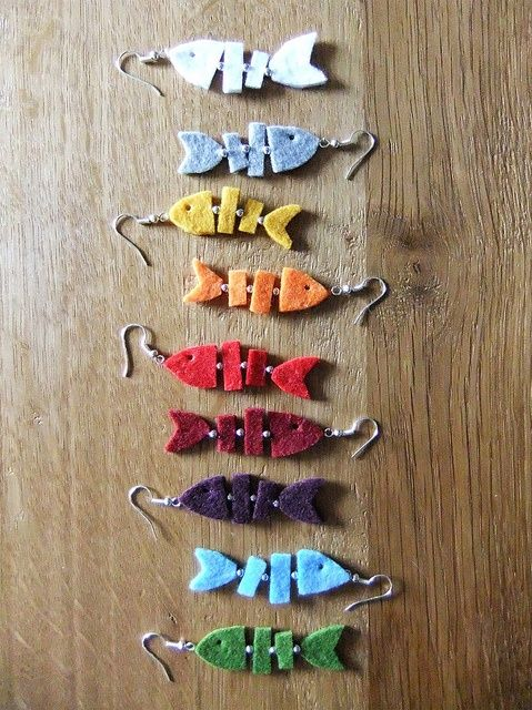 fish earings using felt - I'd do them in Shrinky Dinks.