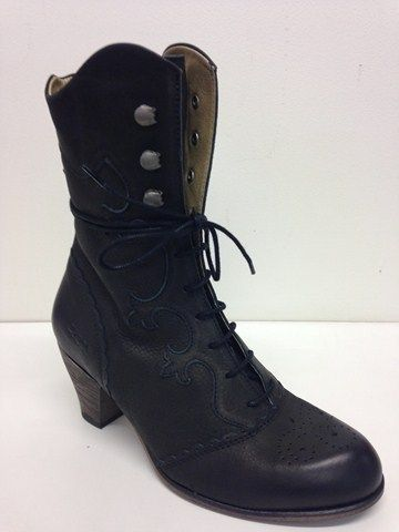 Purchase shoes online NZ from New Zealand's Tangos Shoes