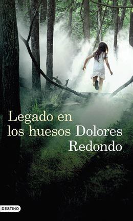 La escritora Dolores Redondo, este lunes en El Corte Inglés.