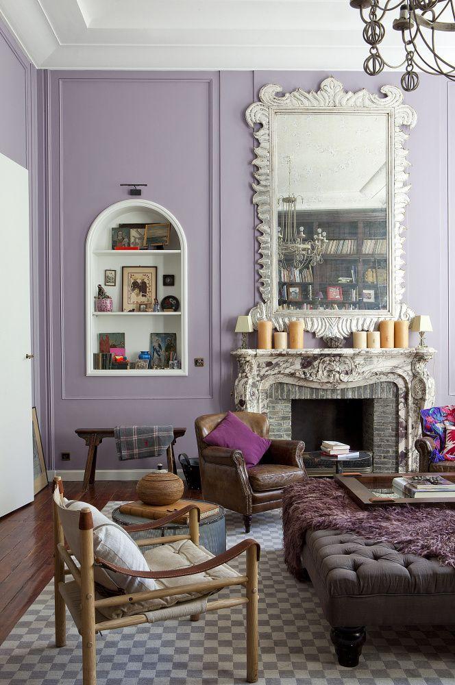 """Toen Midy haar schilders vroeg dit salon in lila te verven, vroegen ze haar """"of ze wel zeker was van die afgrijselijke kleur""""."""