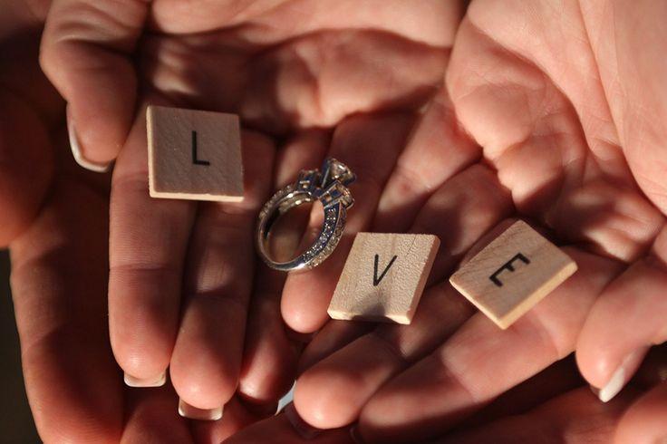 Vezi in acest articol catre sunt primele lucruri pe care trebuie sa le faci dupa ce te logodesti. Cateva sfaturi utile de la Wedding Box!