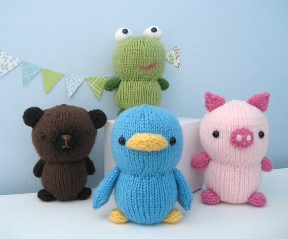 Knit animals - this woman's patterns are awesome